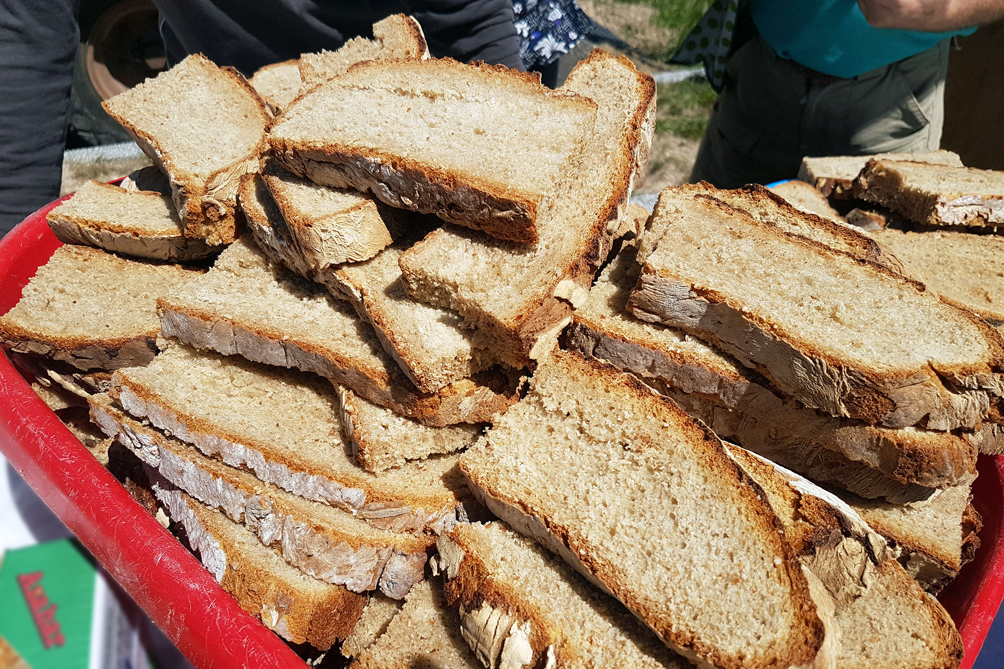 Le troisième dimanche d'août est désormais réservé par la Mairie qui organise la fête du pain dans les villages, chacun à son tour.