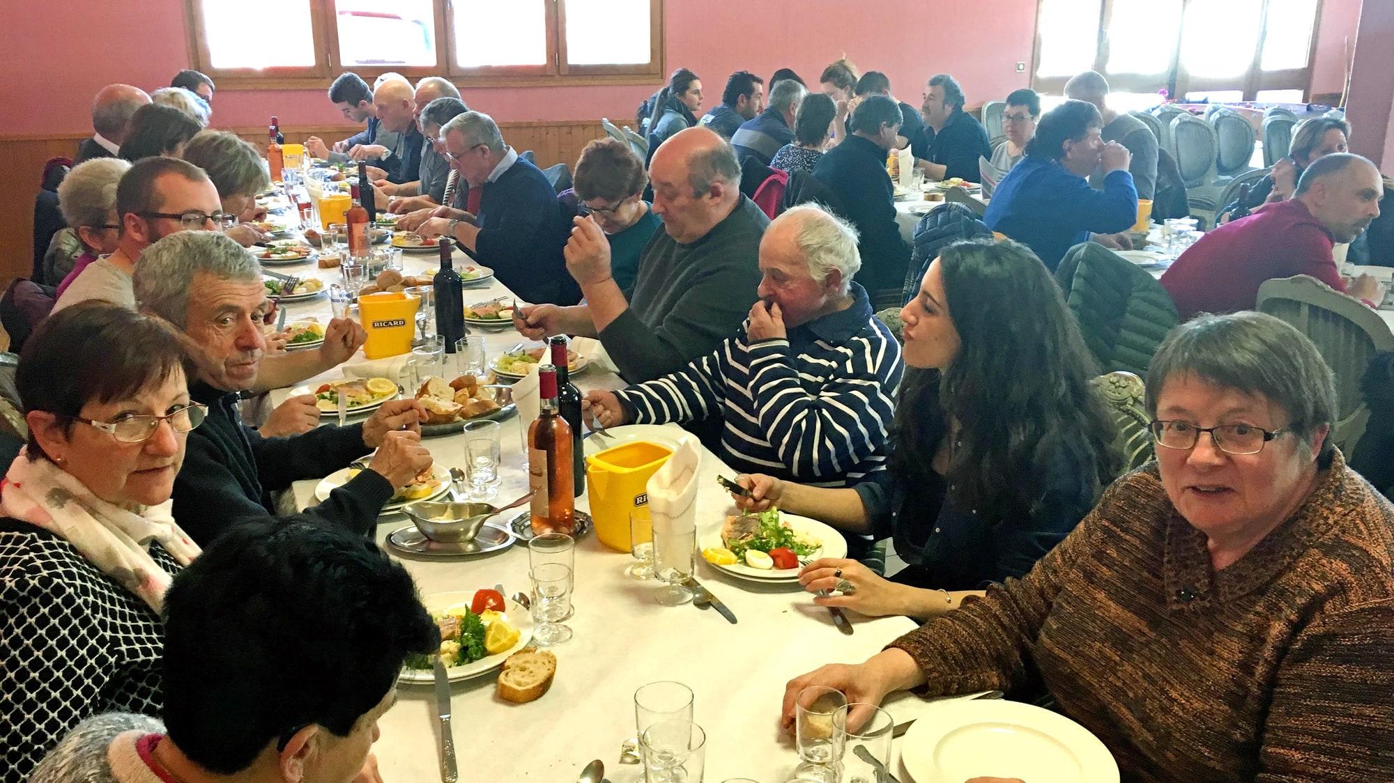 Ce repas de la chasse s'est tenu au Restaurant del Faou le dimanche 17 février. Ce sont plus de 80 convives qui ont répondu présents à l'invitation de L'ACCA du Fau de Peyre et de son Président Maxence Bréchet.
